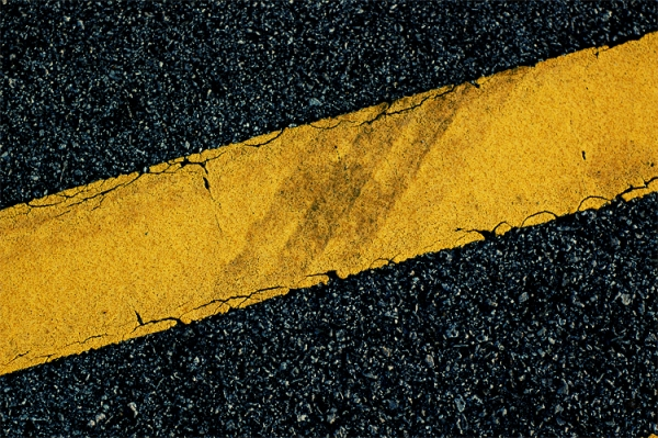 Yellow_road_marking