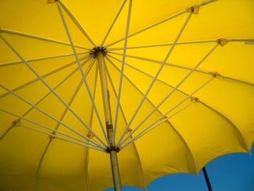 yellow-umbrella-742695_960_720